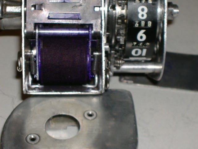 ACCESSING THE INK ROLLER